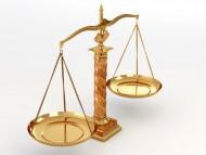 Nabycie spadku możemy poświadczyć w sądzie lub u notariusza./ Fot. Folia