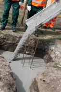 Październik i listopad to ostatnie miesiące w roku, w których możemy wykonywać fundamenty. Fot. Lafarge